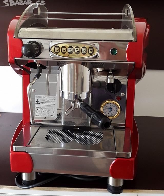 Kávovar Lyra