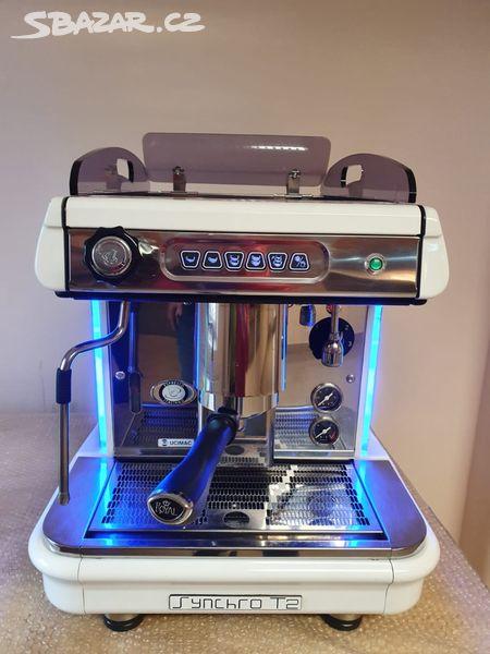 Profesionální kávovar Synchro jednopákový
